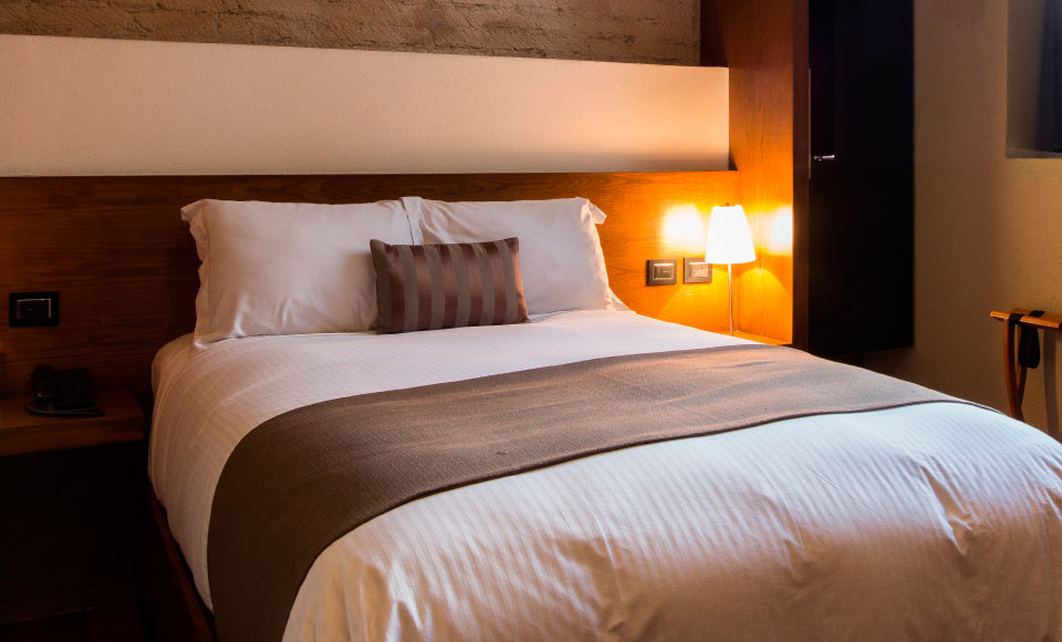 Dual beds window junior suite Hotel Boutique Casa Madero